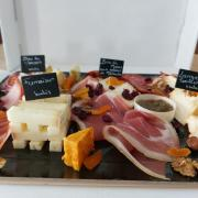 plateau fromages/charcuteries 2 personnes
